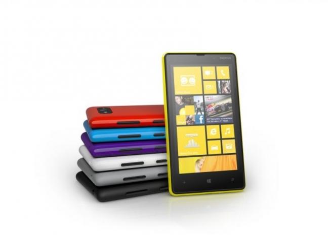 Nokia Lumia 820, presentazione
