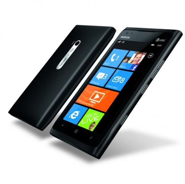 700-nokia-lumia-900_black_combo.jpg
