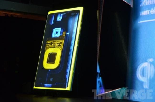 Nokia Lumia 920, presentazione