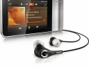 philips_gogear_muse_3_with_headphone_front