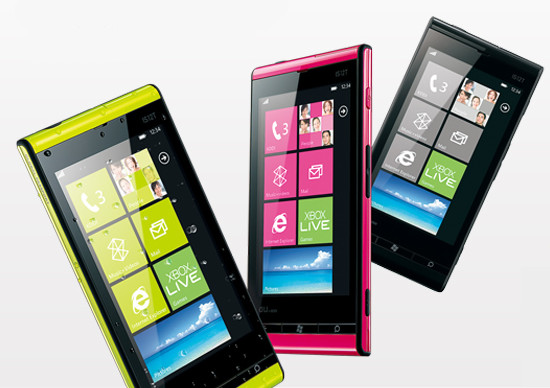 Toshiba-Fujitsu IS12T, il primo Windows Phone