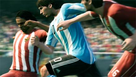 PES 2011 arriva nei negozi: prima patch e uno sguardo alla prossima edizione