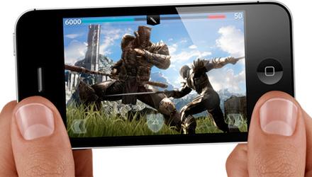 iPhone 4S con CPU A5 dual core, più potente per i videogiochi