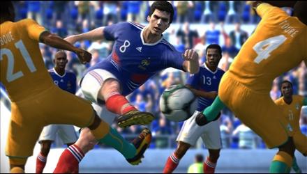PES 2011: una patch amatoriale per migliorare il gameplay