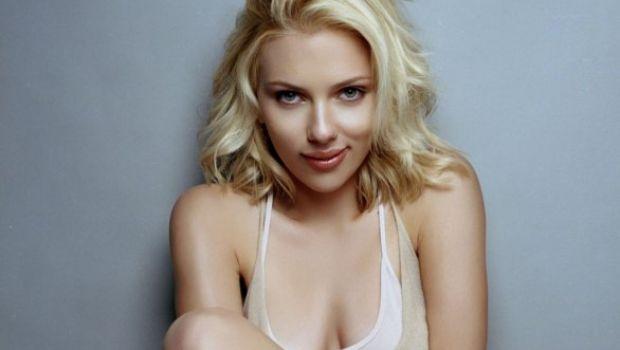 Una tra Scarlett Johansson ed Eva Mendes per il film di Uncharted?