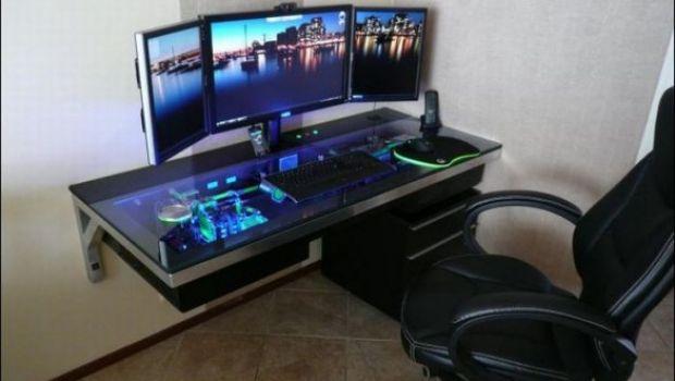 Casemod estremi: una scrivania trasformata in PC – galleria immagini
