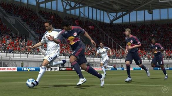 FIFA Football: immagini e trailer di debutto per la versione PS Vita