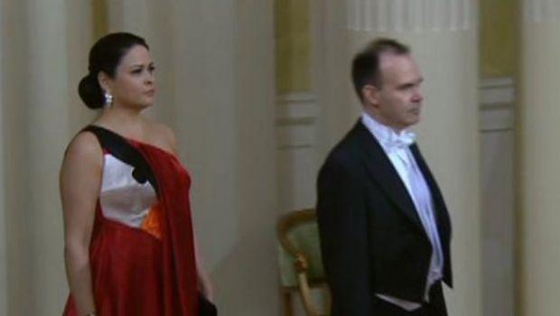 La moglie del CEO di Rovio veste Angry Birds a una cena di gala