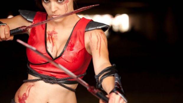 Cosplay di Scarlet da Mortal Kombat – galleria di 58 immagini