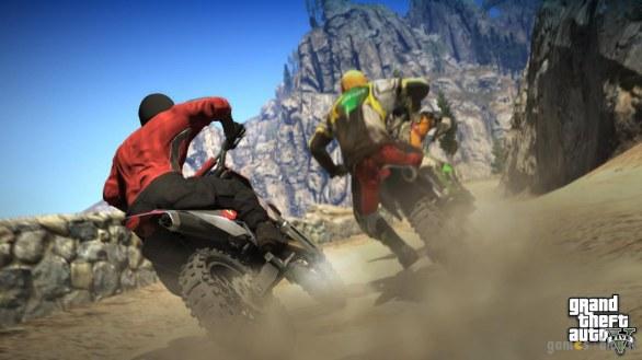 GTA V: nuove immagini tra paracadute, tennis e motocross