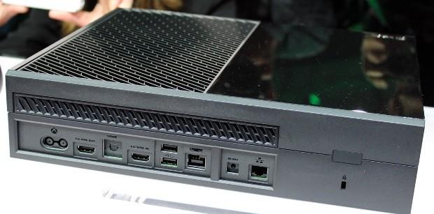 Xbox One: sì alla condivisione su Facebook e YouTube, ma solo nel 2014
