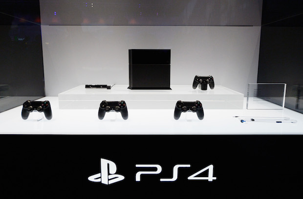 PlayStation 4, le aperture straordinarie di Euronics in tutta Italia per l'uscita della console Sony