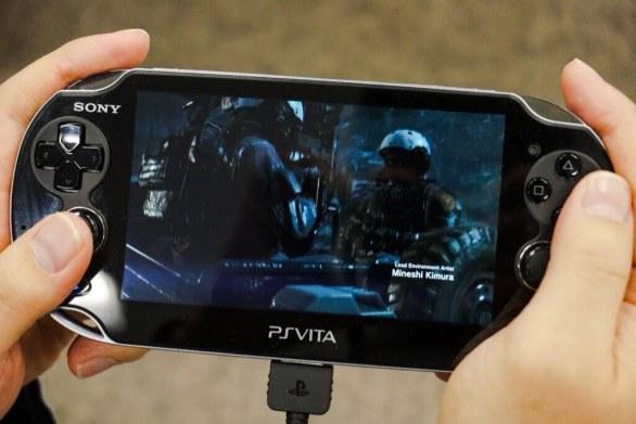 Metal Gear Solid V: Ground Zeroes – Kojima mostra immagini del gioco in Remote Play su PS Vita