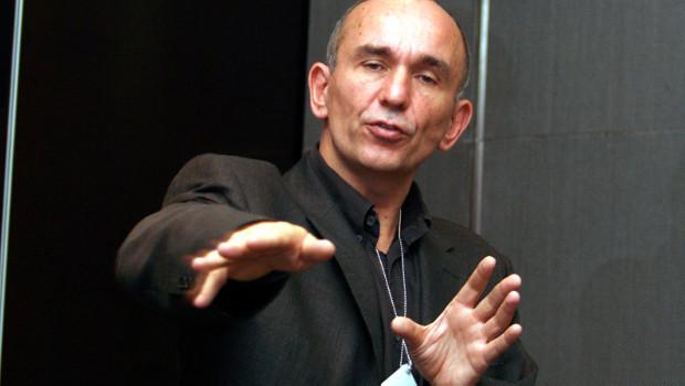 """Peter Molyneux critica Kinect: """"È un accessorio inutile"""""""